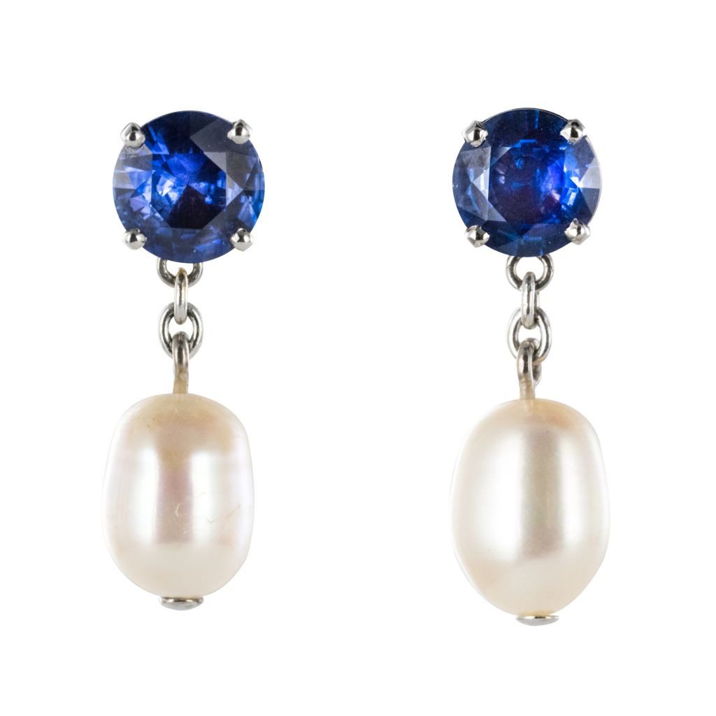 Boucles d\'oreilles saphirs et perles