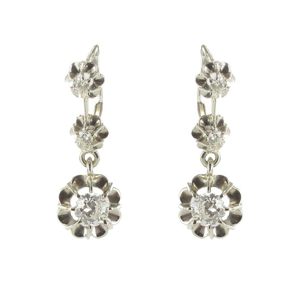 boucles d 39 oreilles trembleuses 3 diamants anciennes. Black Bedroom Furniture Sets. Home Design Ideas