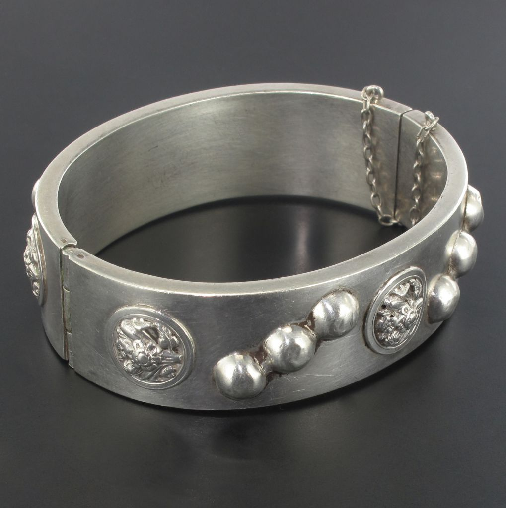 Bracelet ancien jonc argent décoré