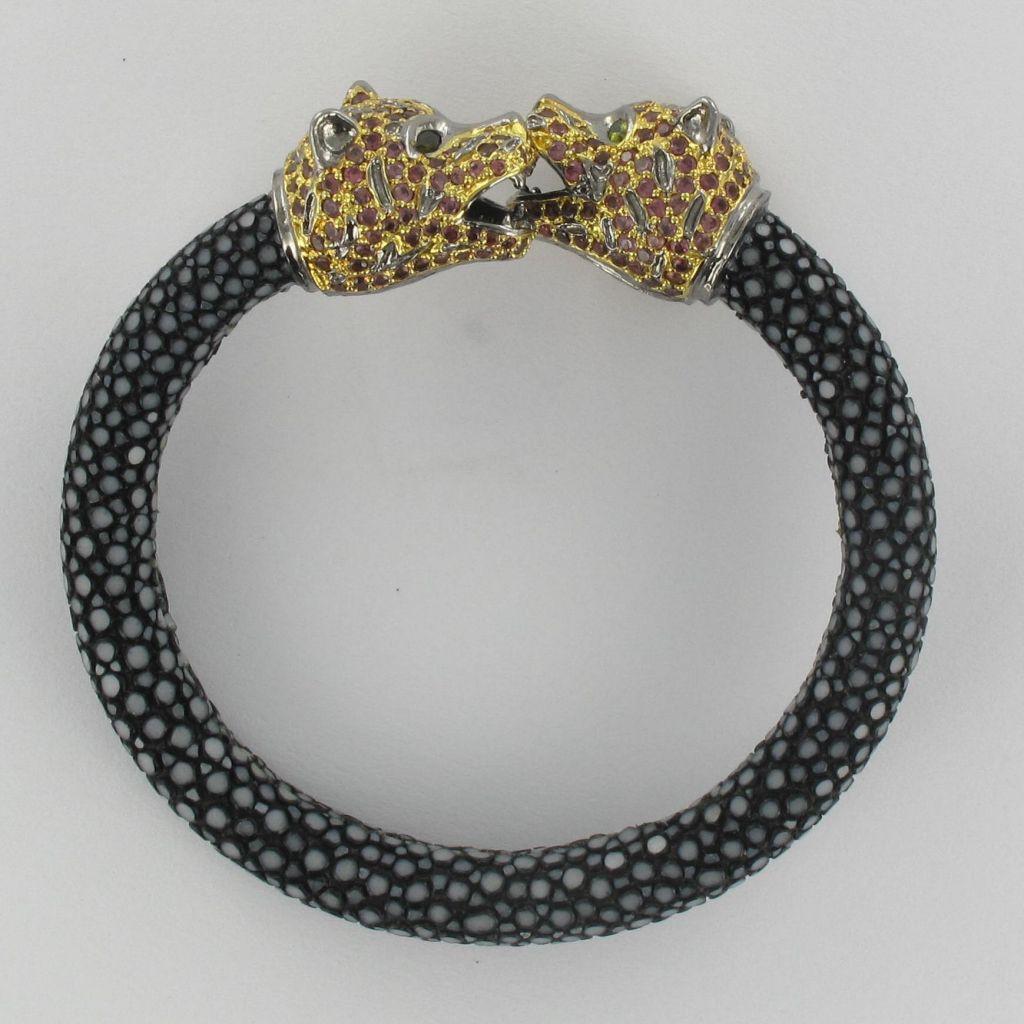 Bracelet en galuchat et têtes de panthères