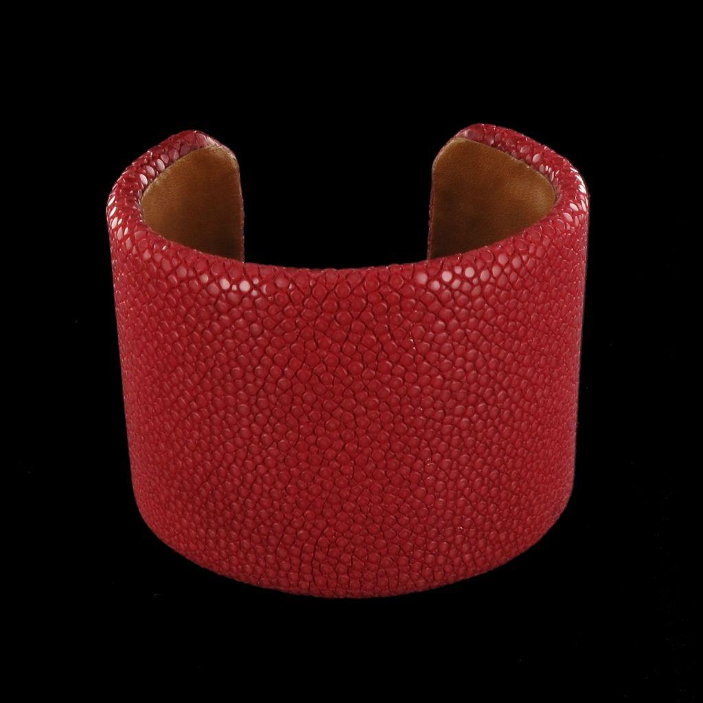 Bracelet en galuchat rouge