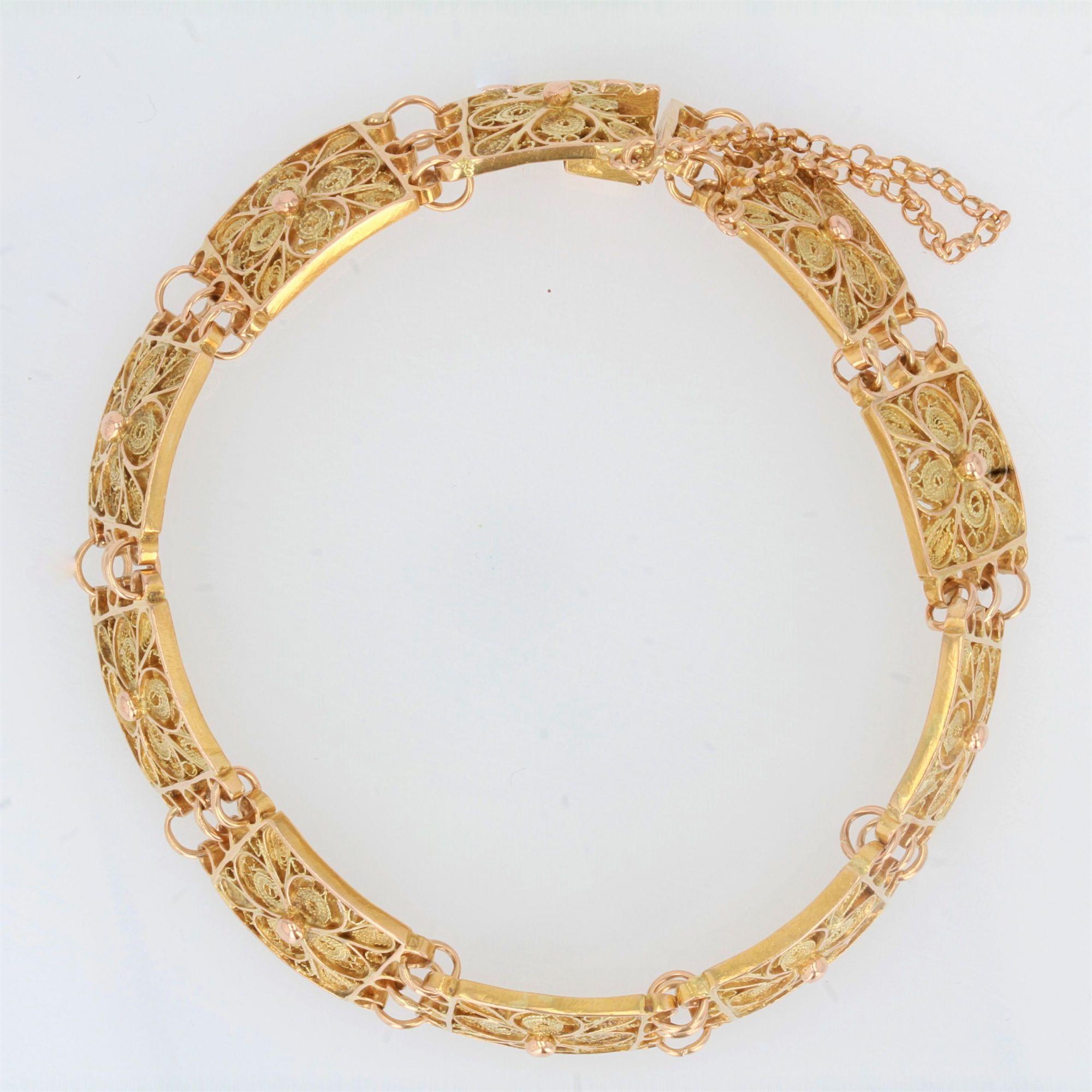 Bracelet en or à maillons carrés filigranés