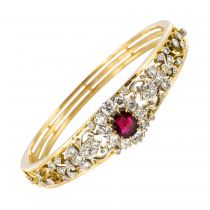 Bracelet jonc et son motif rubis diamants
