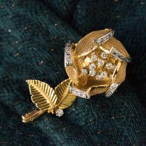 Broche ancienne rose articulée et diamants