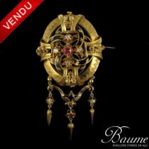 Broche ancienne rubis, diamants et émail noir