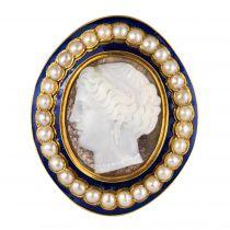 Broche Camée email bleu perles