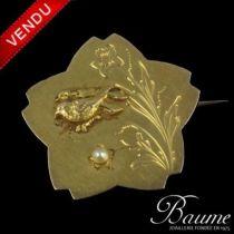 Broche en or, oiseaux et perle
