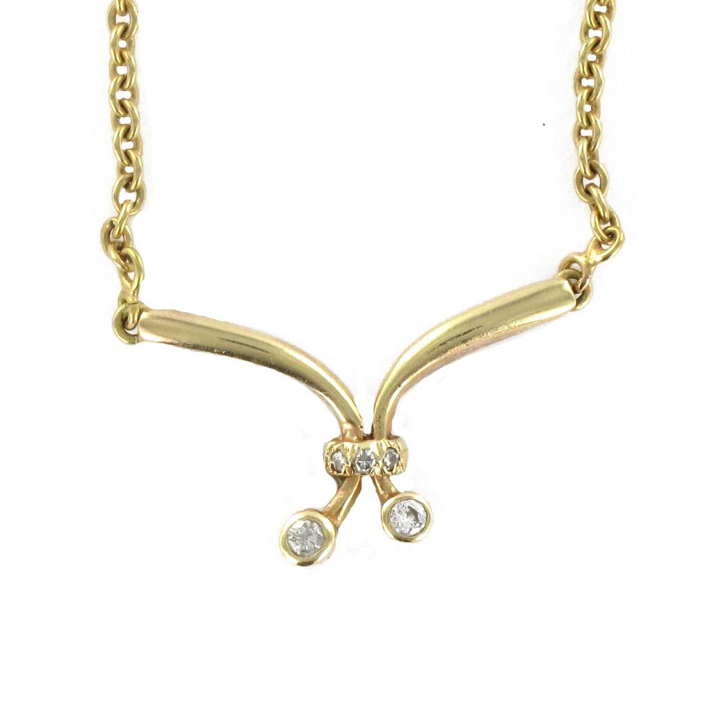 Chaîne en or et son motif en diamants