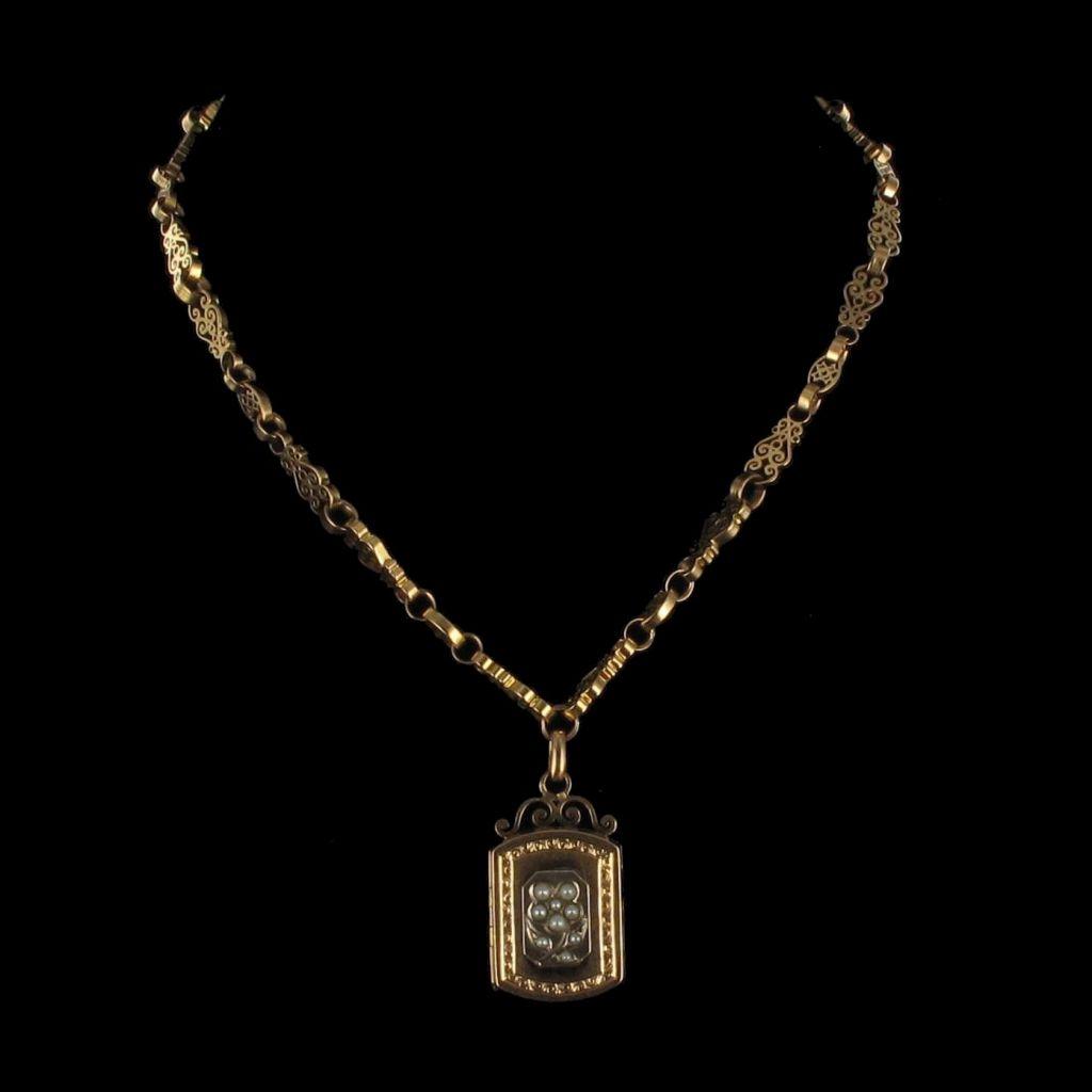 Chaine et médaillon anciens perles fines 11-096