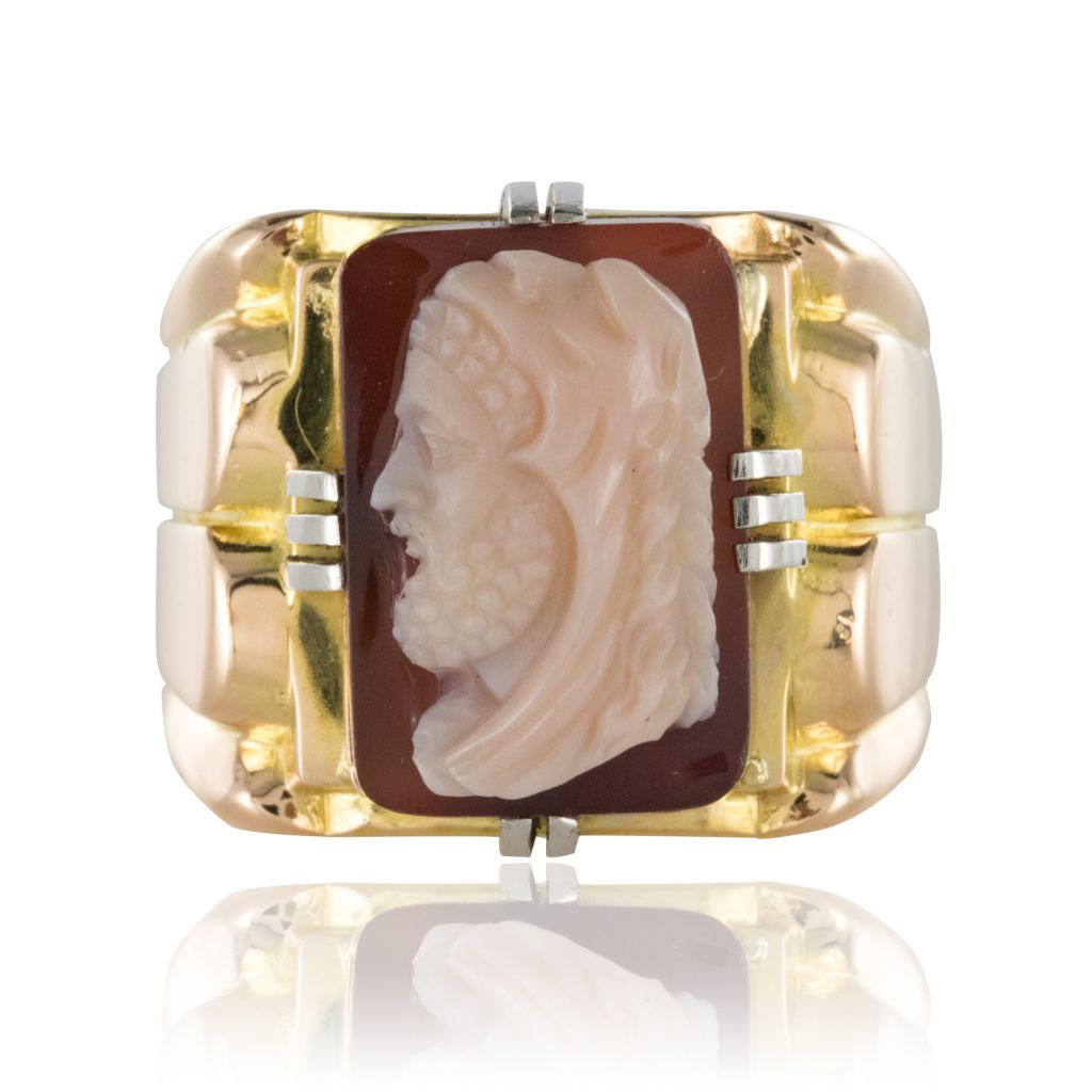 Bague-Chevaliere-homme-or-et-camee-sur-agate