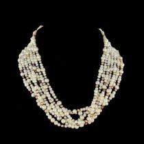 Collier en perles à transformation, fermoir broche diamants
