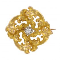 French Napoleon III Garnet Diamond Natural Pearl Yellow Gold Clover Brooch