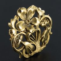 French Retro Rose Diamonds 18 Karats Yellow Gold Brooch