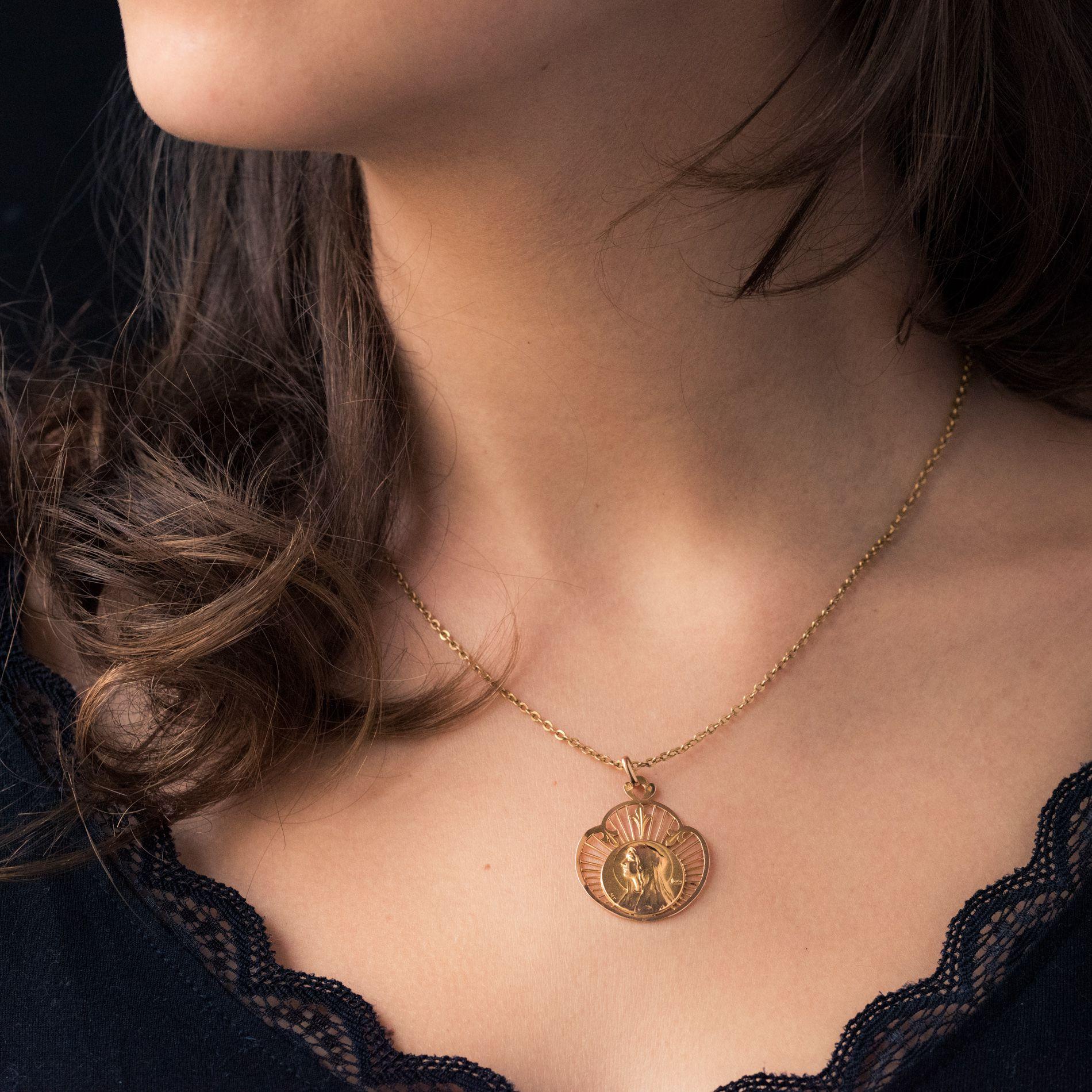 Médaille ancienne or rose Vierge auréolée