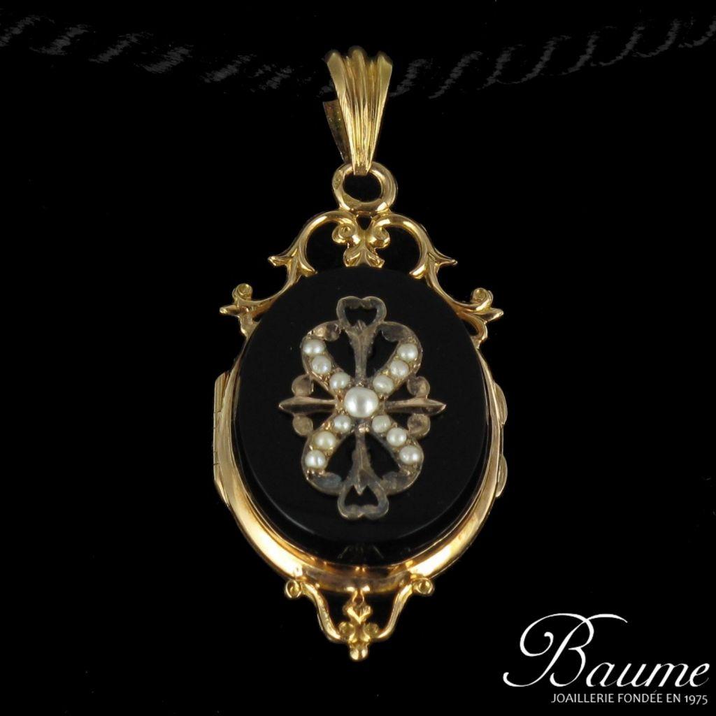 Médaillon ancien perles fines et pâte de verre