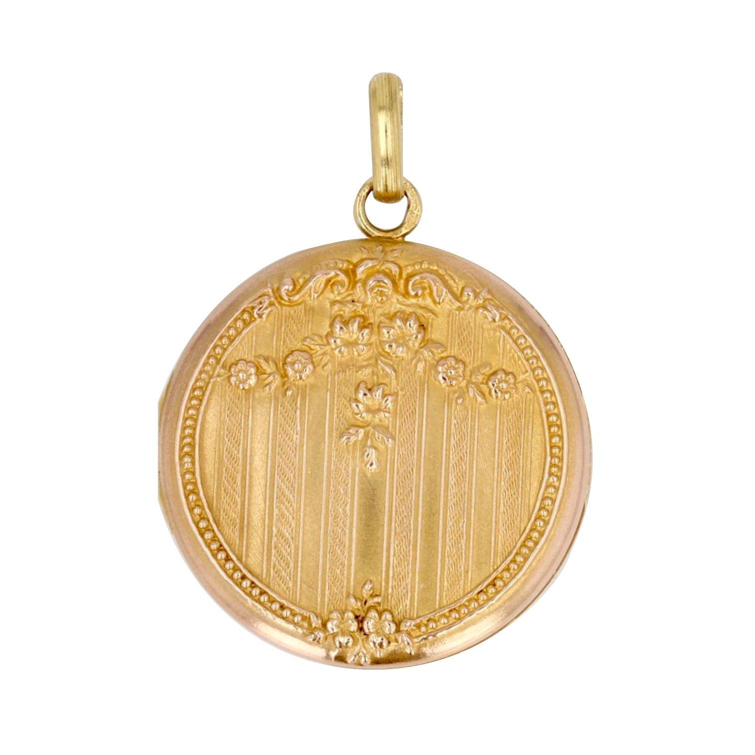 Médaillon en or ancien