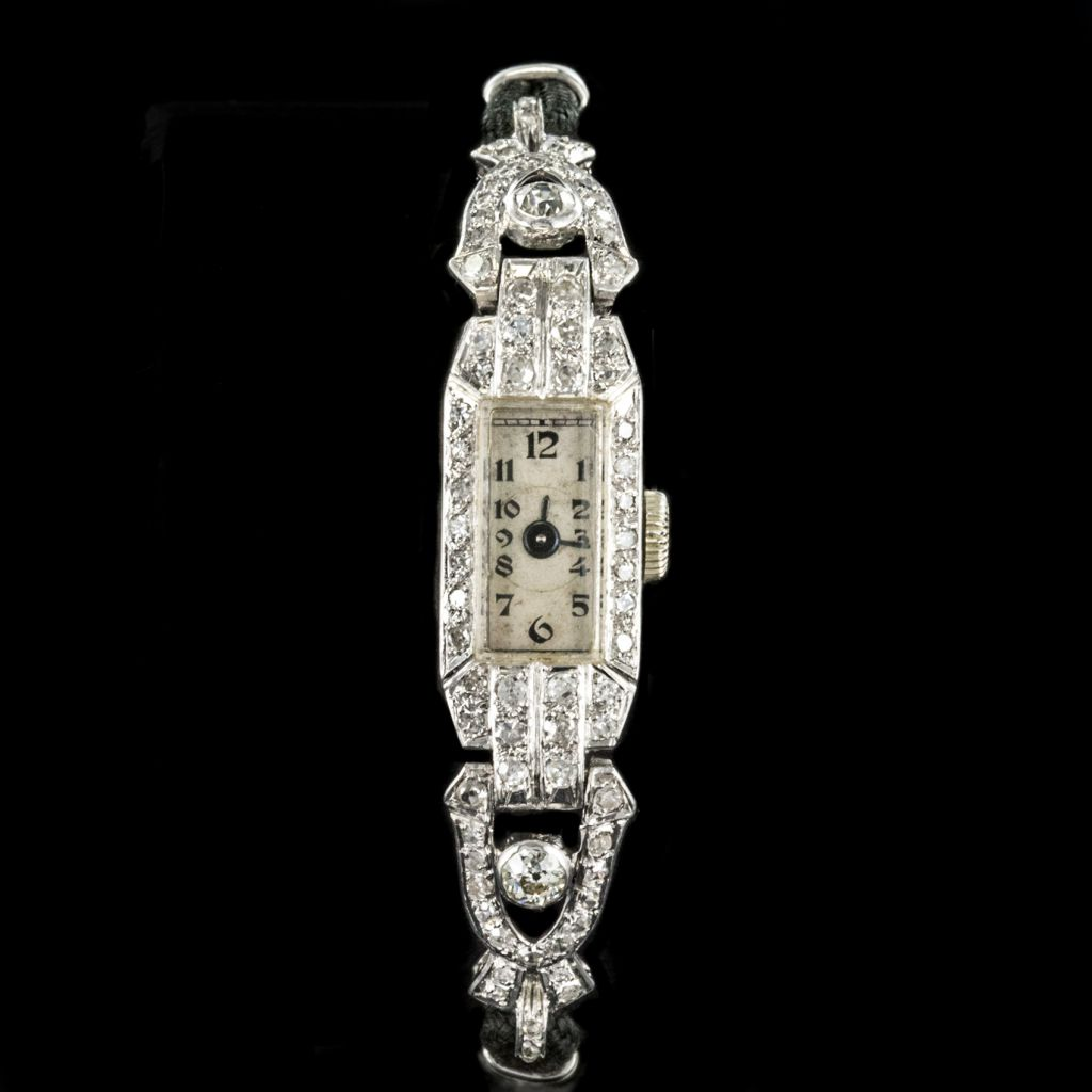 Montre ancienne art déco platine et diamants