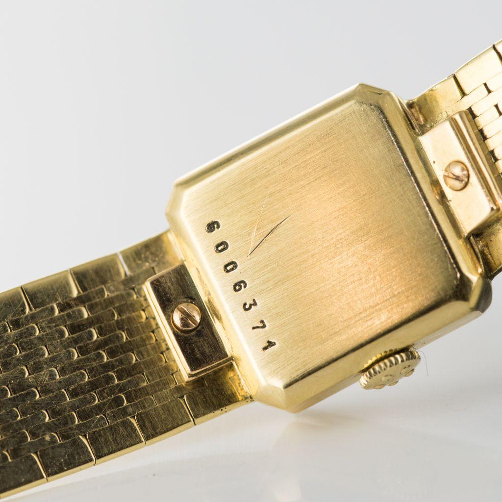 Montre Eterna femme en or