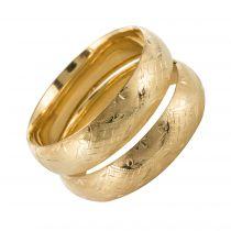 Paire de bracelets joncs en or ciselé