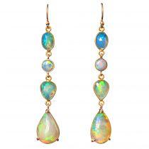 Pendants d\'oreilles opales et or