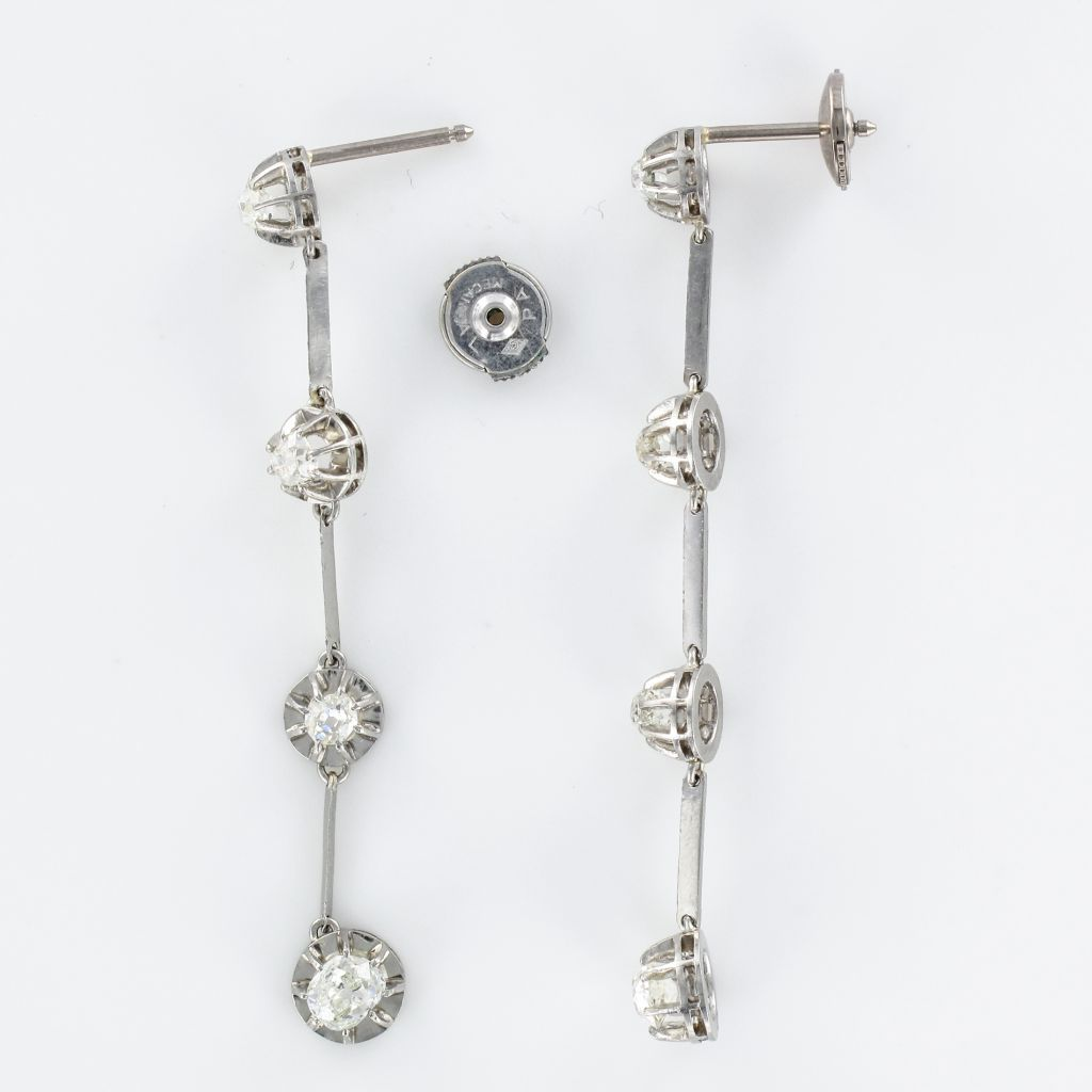 Pendants d\'oreilles platine diamants