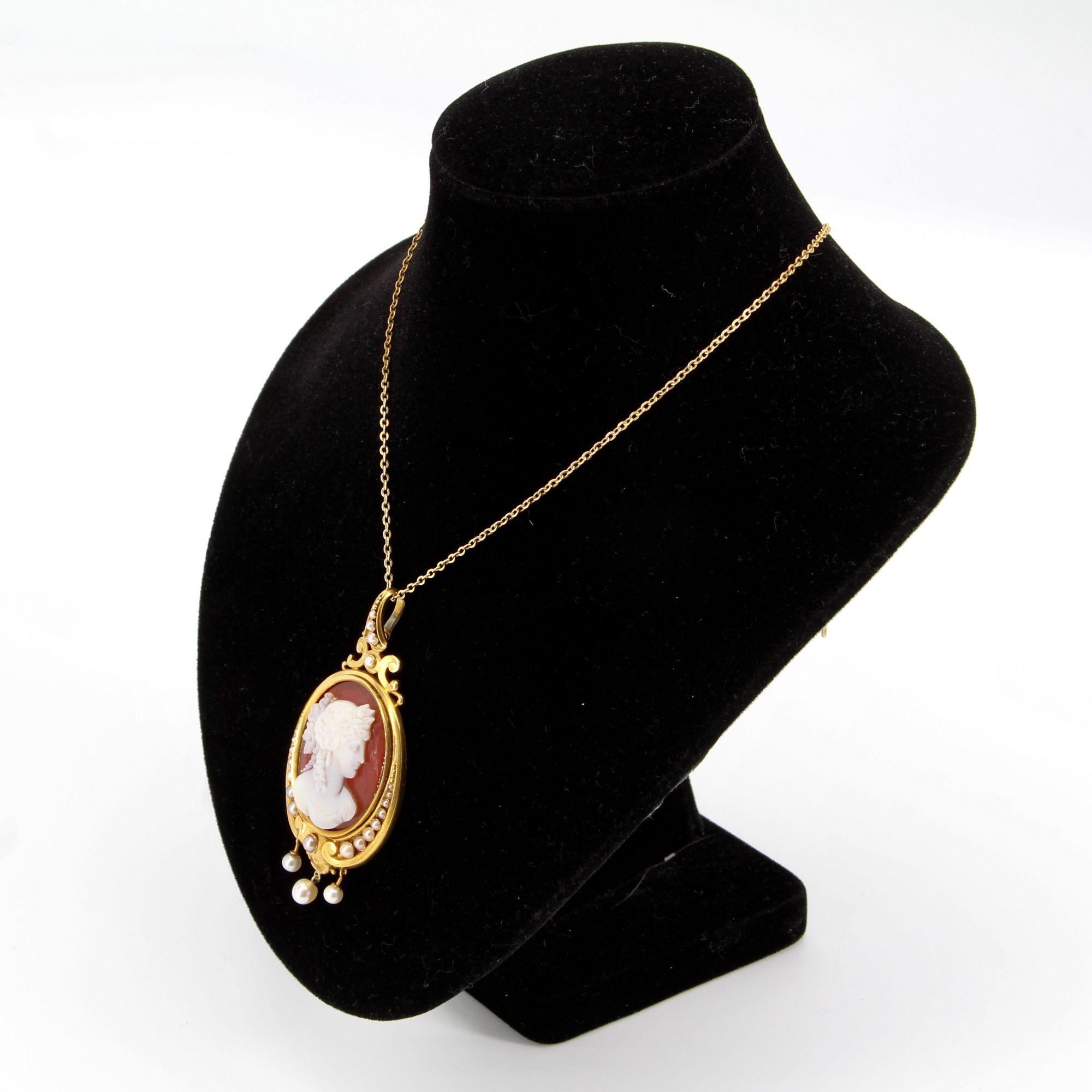 Pendentif ancien Camée et Perles fines