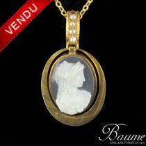 Pendentif camée or et perles