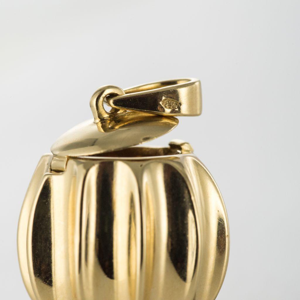 Pendentif en or à secret