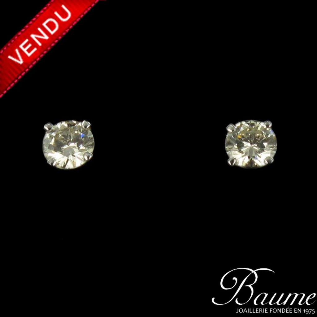 Puces d 'oreilles diamants or blanc
