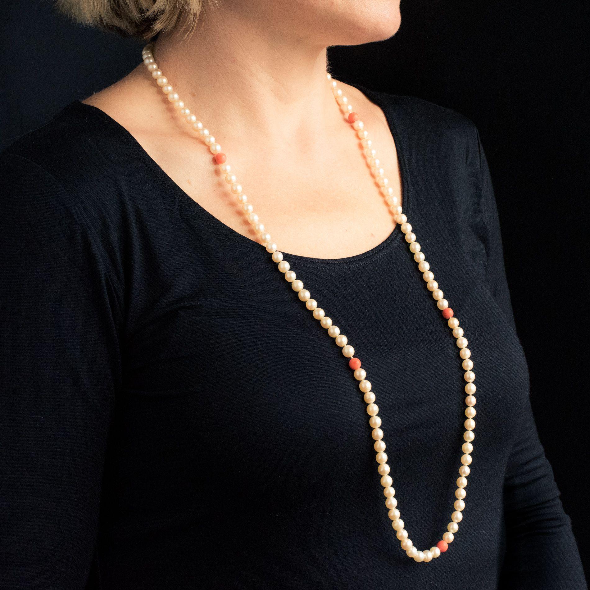 Sautoir perles et perles de corail